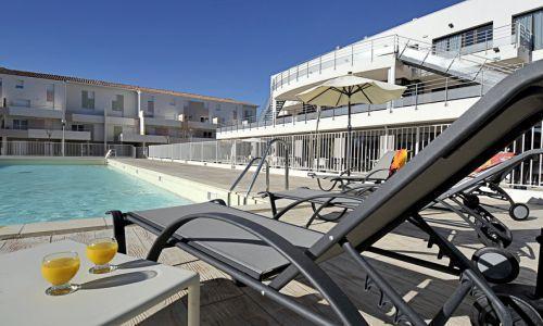 residence cap med location bord mer le grau du roi port camargue. Black Bedroom Furniture Sets. Home Design Ideas