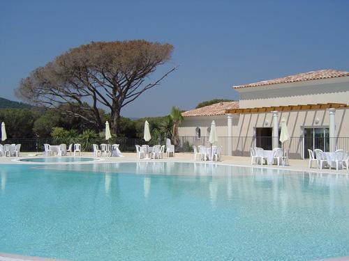 Sainte-Maxime - RESIDENCE LE DOMAINE DE FIGUIERE - Appartement 2 pièces 4 personnes (BBF) pour 324.00€