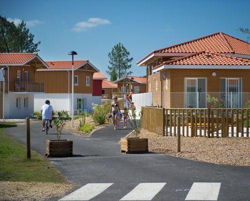 residence le hameau de l 39 aouchet location bord mer parentis en born. Black Bedroom Furniture Sets. Home Design Ideas