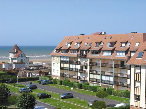 Les Résidences de Villers sur Mer - Villers-sur-Mer - Summer outside