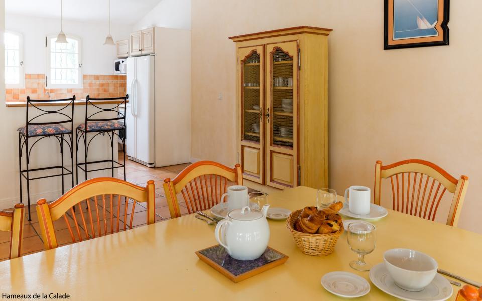 Résidence Lagrange le Domaine de Fayence - Fayence - Table