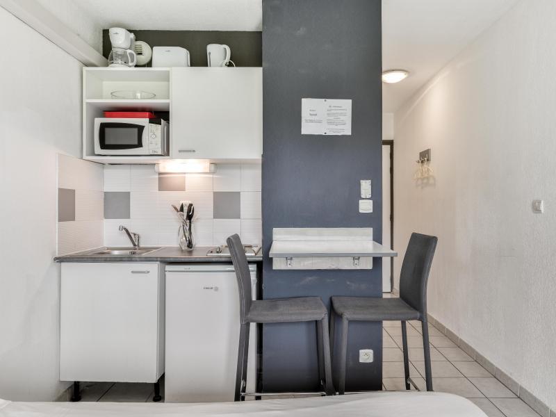 Studio 2 personnes (climatisé) - Résidence le Fonsérane - Béziers - Cuisine