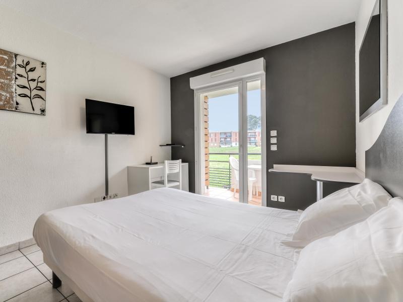 Studio 2 personnes (climatisé) - Résidence le Fonsérane - Béziers - Lit double
