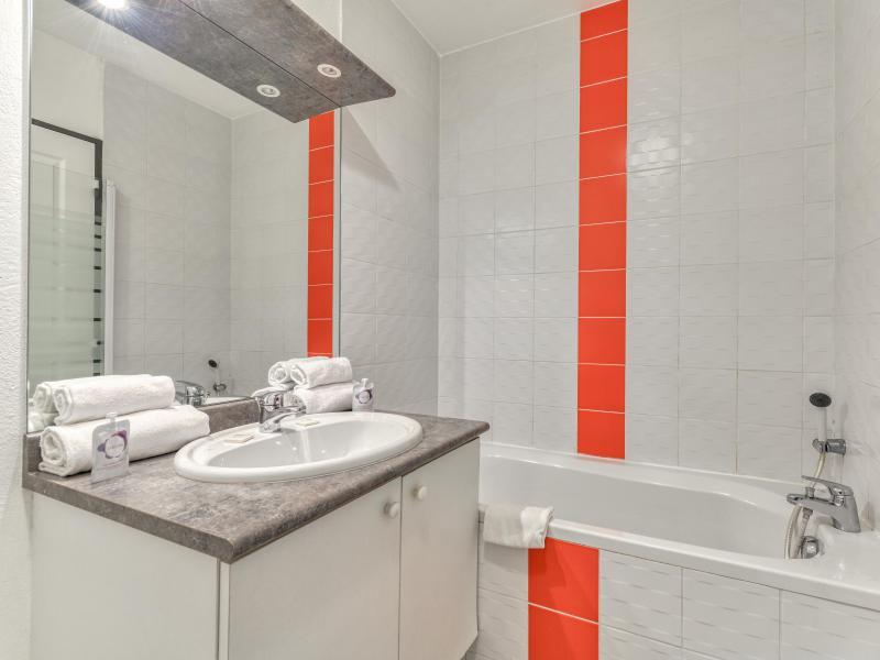 Studio 2 personnes (climatisé) - Résidence le Fonsérane - Béziers - Salle de bains