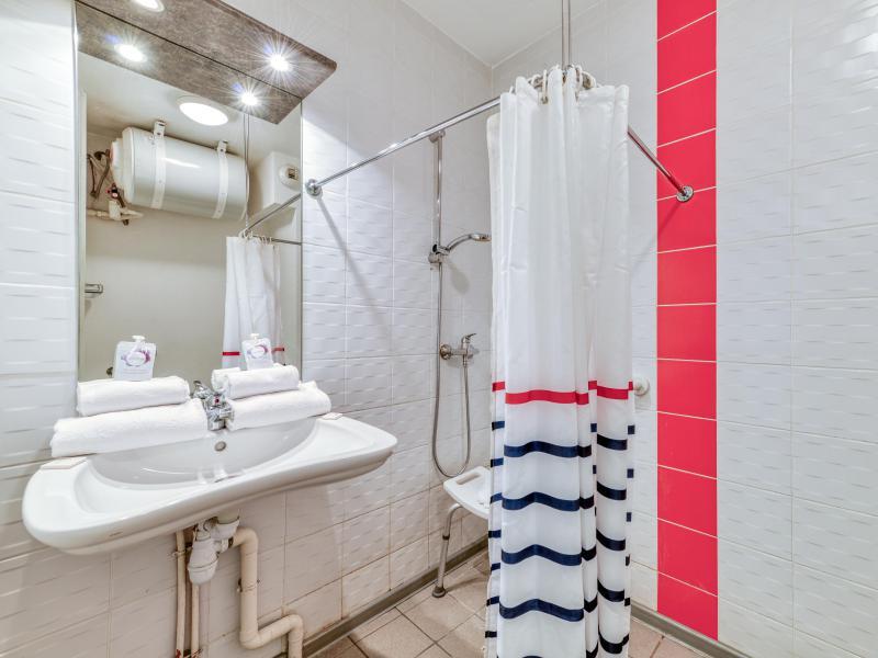 Studio 2 personnes PMR (climatisé) - Résidence le Fonsérane - Béziers - Salle d'eau