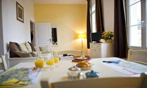Rental Room Apartment People Castle To Maniquerville MerEvasion - Les portes d etretat