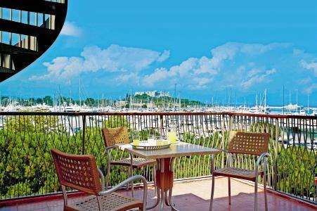 Rental Antibes - Juan Les Pins : Residence P&v Premium Port Prestige sea